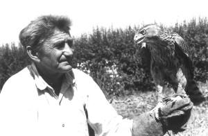 zakládající člen krkonošské ornitologické sekce, vrchlabský kroužkovatel spojený zejména s okolím rybníka ve Vejsplaších.